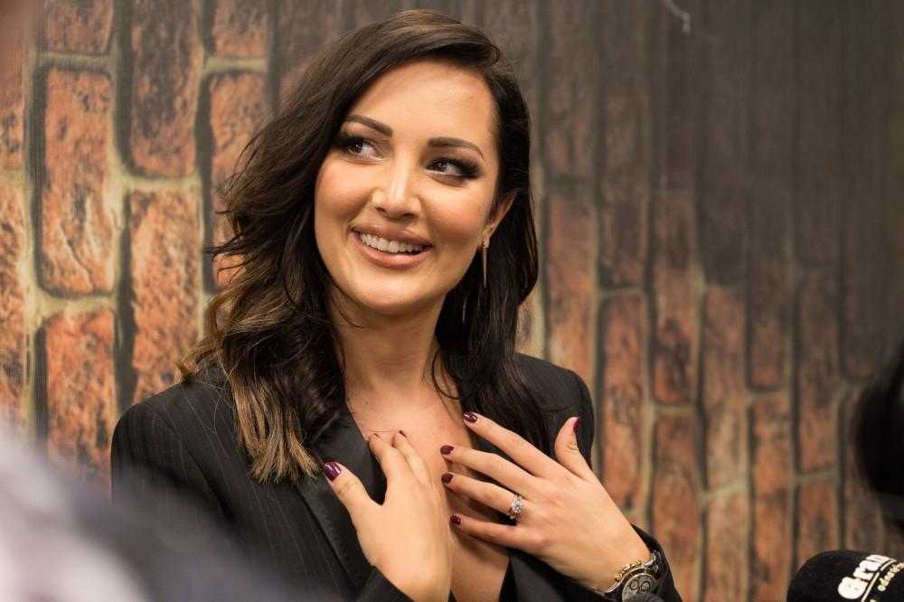ФОТО) Штедеше пари за пластични операции: Александра Пријовиќ некогаш и  денес